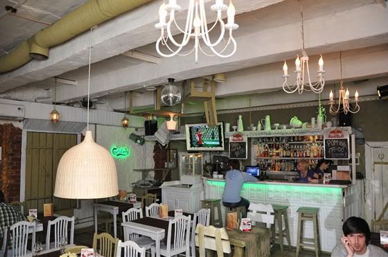 Ресторан Лентяй - фотография 1 - Бар-клуб Лентяй. 1 этаж.