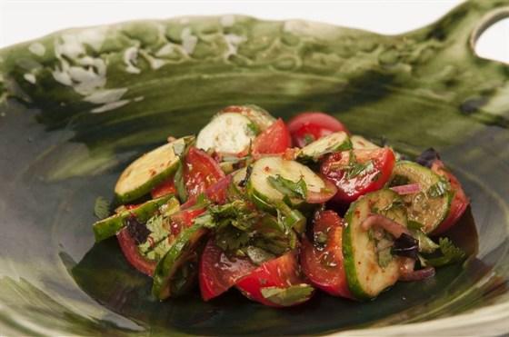 Ресторан Saperavi Café - фотография 43 - Острый овощной салат