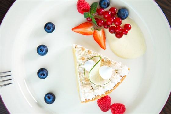 Ресторан Дягилев - фотография 3 - Лимонный пай