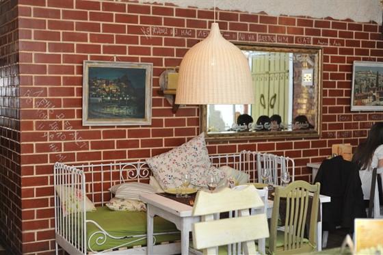 Ресторан Лентяй - фотография 2 - Бар-клуб Лентяй. 1 этаж.