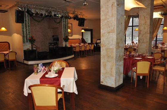 Ресторан Студия вкуса - фотография 6 - основной зал
