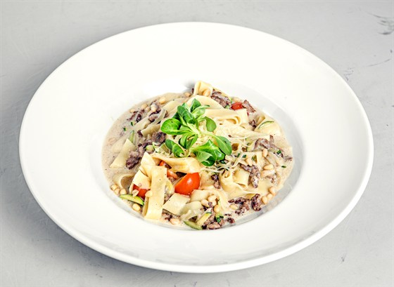 Ресторан Grand Café - фотография 13 - Тальятелле с соусом из белых грибов и говядиной