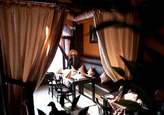"""Ресторан Баден-Баден - фотография 11 - """"Мангальный"""" зал"""