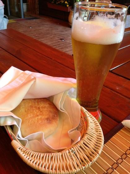 Ресторан Каре - фотография 11 - Прекрасное пиво из Армении и горячие лепешки. Очень хорошее место