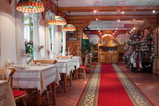 Ресторан Русский дворик - фотография 5 - Гостиный холл