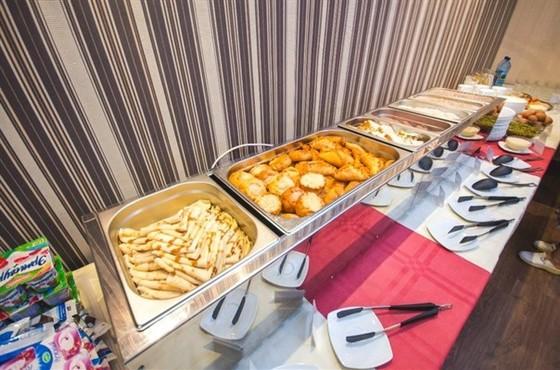 """Ресторан Авиатор - фотография 7 - Завтрак для гостей гостиницы """"Авиатор"""""""
