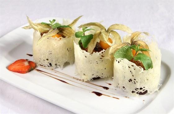 Ресторан Романс - фотография 6 - Мильфей  из филе свинины