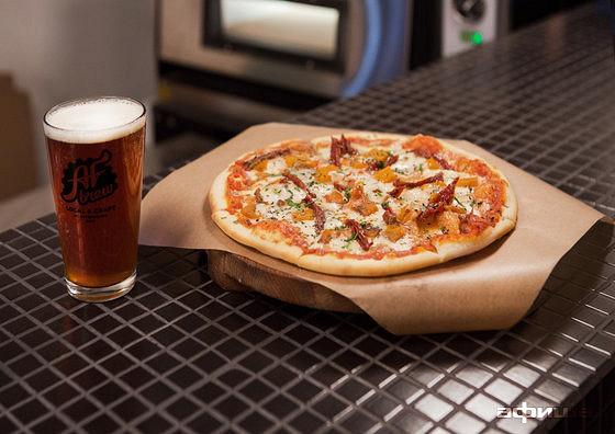 Ресторан Camorra pizza e birra - фотография 8