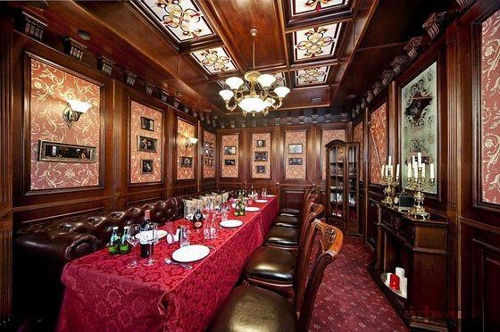 Ресторан Holmes Pub - фотография 2