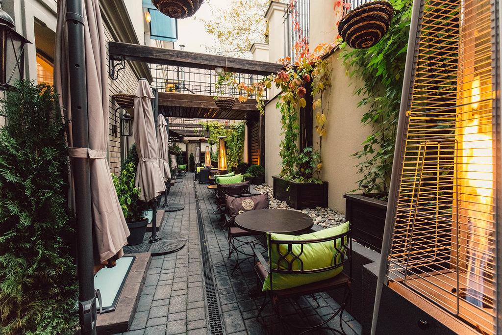 Ресторан Svoy - фотография 23