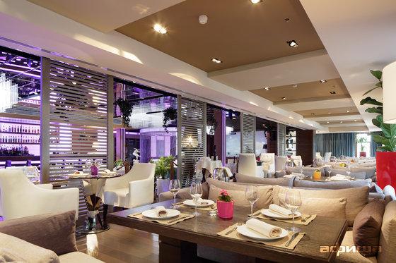 Ресторан Светлый - фотография 27