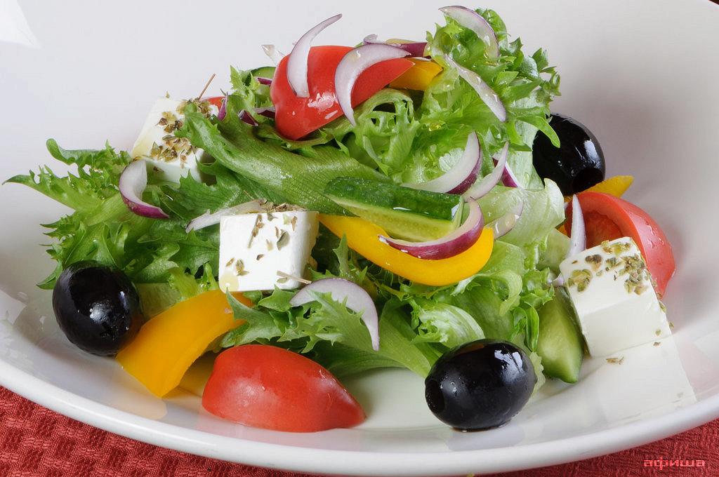 Ресторан Плотников  - фотография 16 - Греческий салат