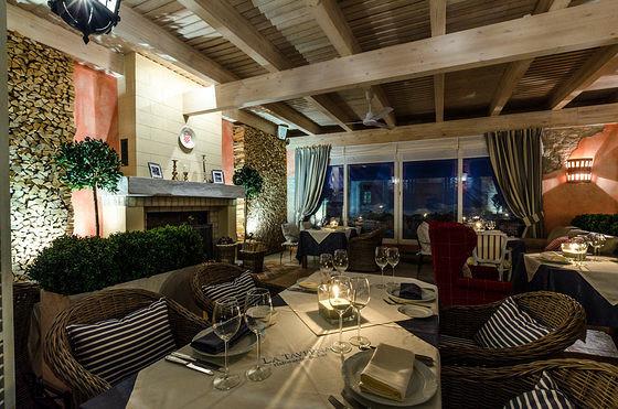 Ресторан La taverna - фотография 1