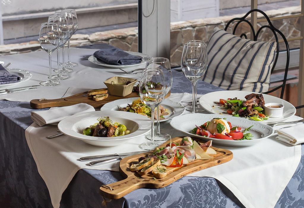 Ресторан La taverna - фотография 13