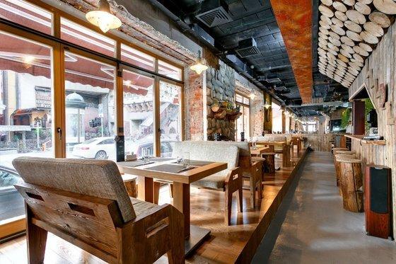 Ресторан Stone Age Café - фотография 8
