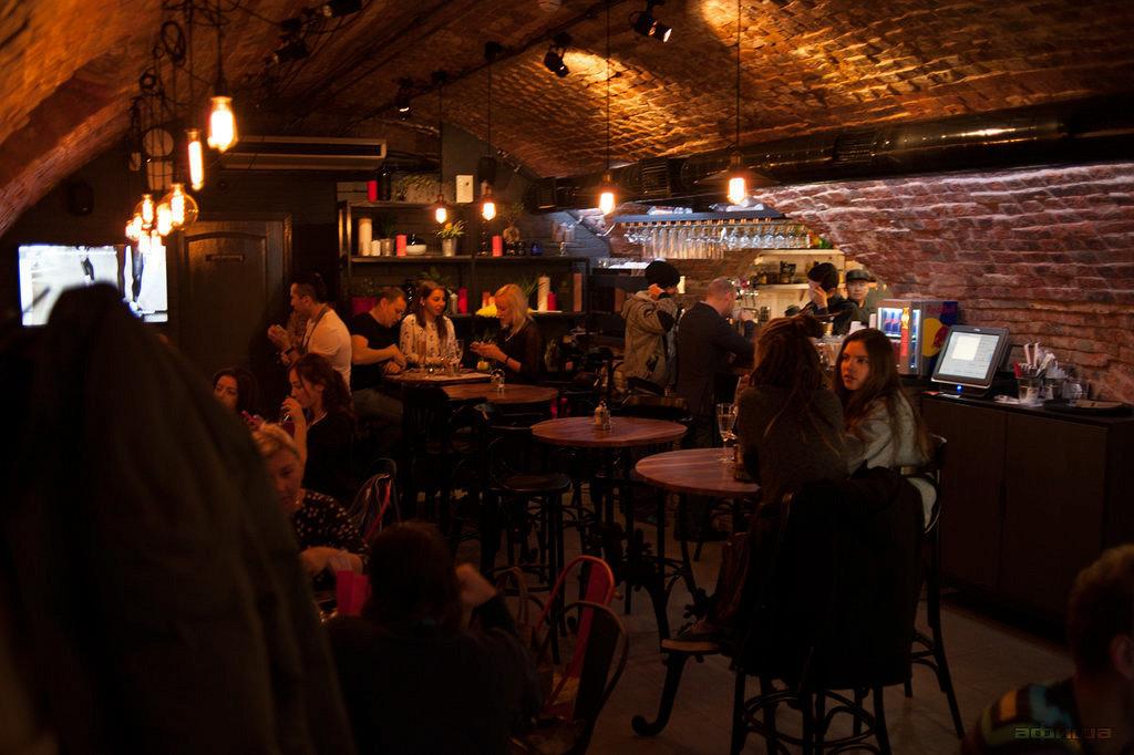Ресторан Big Bite Café - фотография 16