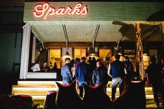Ресторан Sparks Home Kitchen - фотография 3