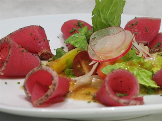 """Ресторан Сушишеф - фотография 1 - салат """"магуро татаки"""" из меню сушишефа"""