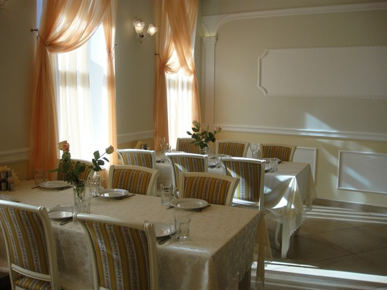 """Ресторан Экспромт - фотография 6 - """"Белый"""" зал"""