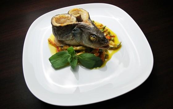 Ресторан Felice - фотография 20 - Сибас запеченный с овощным сотэ 590 руб
