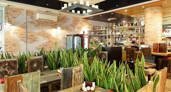 Ресторан Stone Age Café - фотография 3