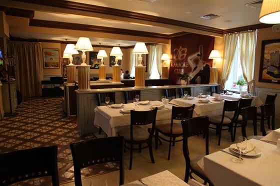 Ресторан Don Gusto - фотография 7 - Музыкальный зал и спуск в караоке-клуб