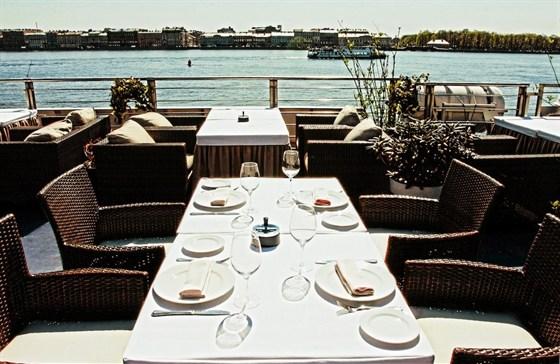 Ресторан Volga-Volga - фотография 6