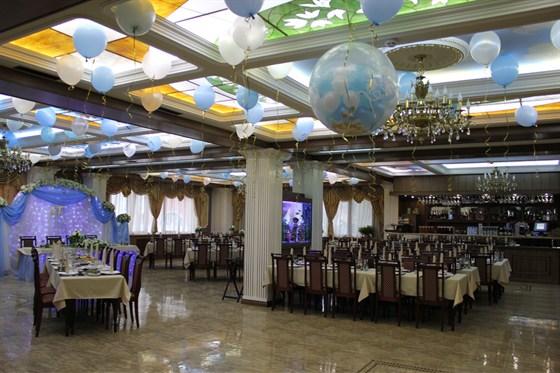 Ресторан Грин-палас - фотография 1 - Главный зал.