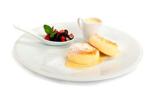 Ресторан Koonjoot - фотография 13 - Творожные сырники с ванильным соусом