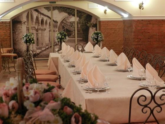 Ресторан Сивый мерин - фотография 9 - Банкетный зал