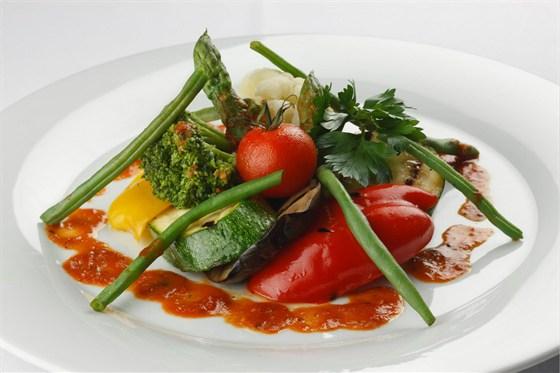 Ресторан Метаморфоз - фотография 24 - Горячее овощное ассорти с томатным соусом