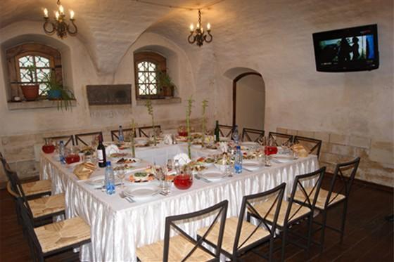 Ресторан Табурет - фотография 3 - Зал Диваны