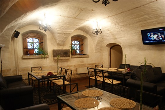 Ресторан Табурет - фотография 20 - Зал Диваны