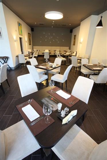 Ресторан Груша - фотография 13 - Большой зал