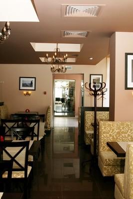 Ресторан Персона - фотография 13 - К входу