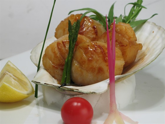 "Ресторан Сушишеф - фотография 7 - морской гребешок под соусом бата яки из меню ""Сушишеф"""