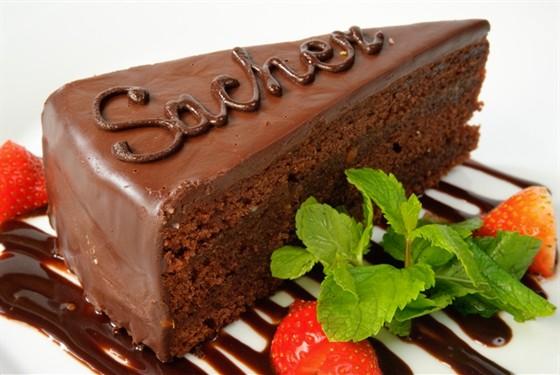 """Ресторан Real Food Гриль - фотография 16 - Традиционный австрийский десерт """"Захер"""""""