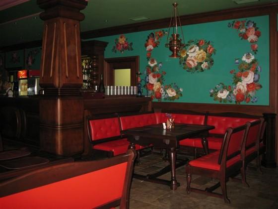 """Ресторан Красный кабачок - фотография 7 - """"Красный кабачок"""". Первый этаж."""