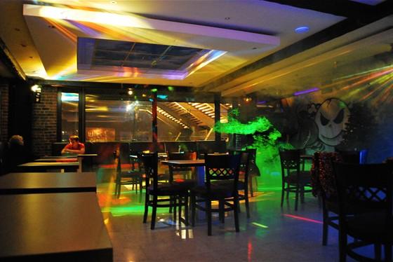 Ресторан Регата - фотография 1 - вечерний зал