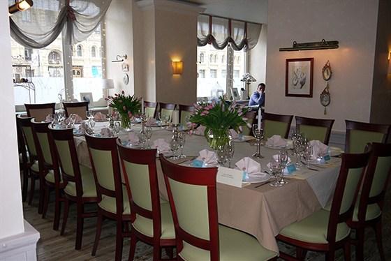 Ресторан Марципан - фотография 4 - Вид зала на свадебном банкете