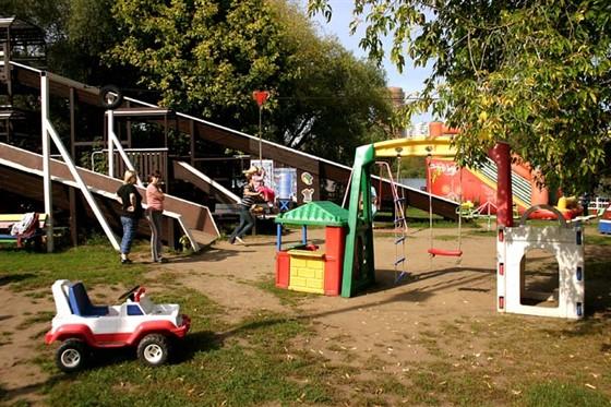 Ресторан Поместье - фотография 4 - Детская площадка