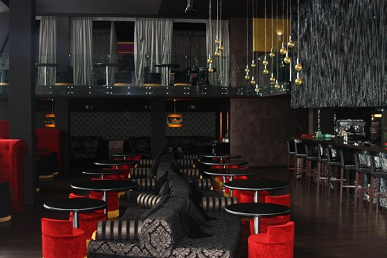 Ресторан Miraclub - фотография 5 - общий зал