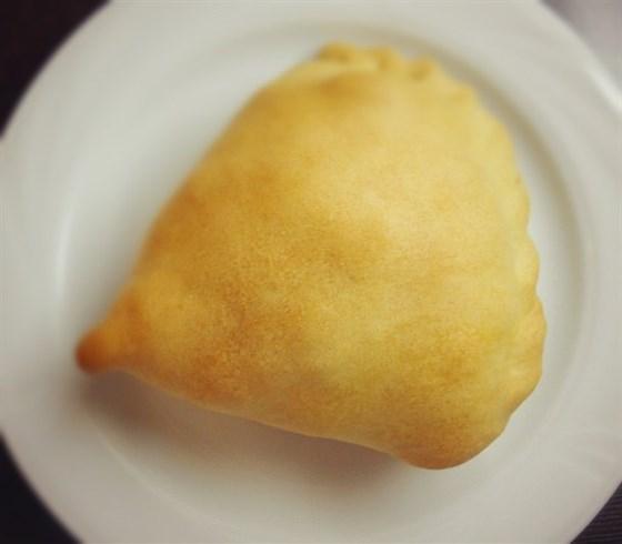 Ресторан Белый слон - фотография 2 - Самос- овощной пирожок