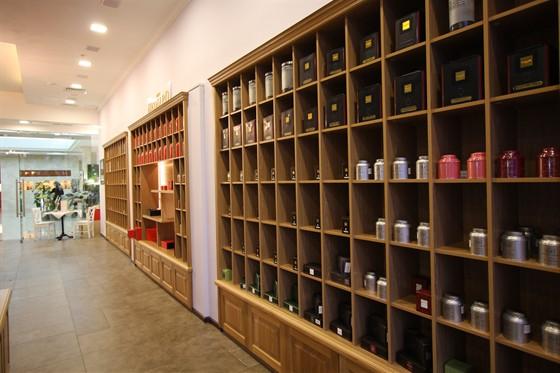 Ресторан Французский чайный дом - фотография 1 - Чаи,в банках,в муслиновых пакетиках,на развес,травы и настои.