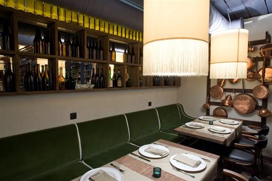 Ресторан Barbaresco - фотография 19 - Интерьер первого этажа