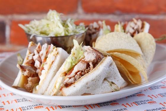 Ресторан 11/1 - фотография 18 - Сэндвич с индейкой