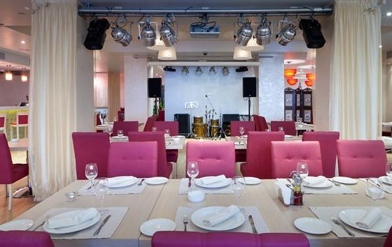 Ресторан Ардженто - фотография 6 - Кафе Ардженто Зона ресторана