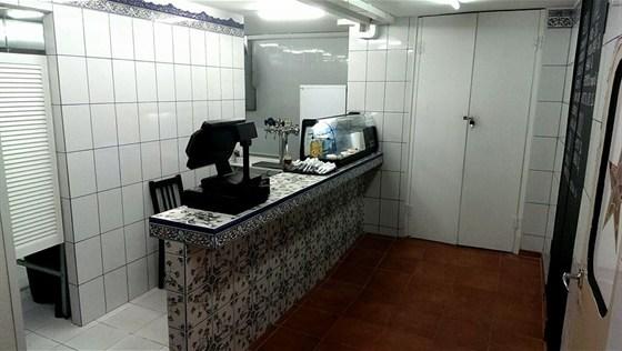 Ресторан Звезда - фотография 6 - Зона раздачи