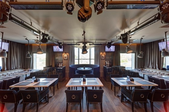 Ресторан Bar-in - фотография 4 - Основной зал BAR-IN