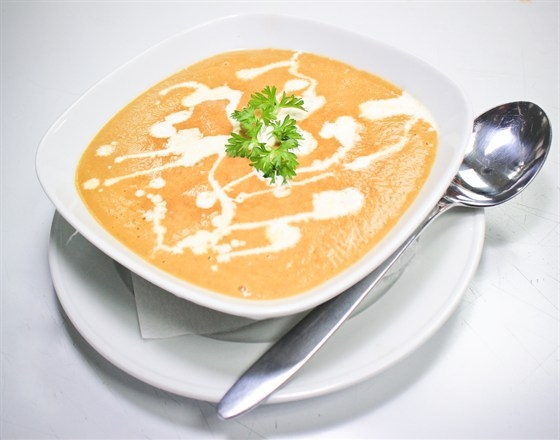Ресторан Хинкали & Хачапури - фотография 4 - Суп-пюре из грибов.Нежное сочетание белых грибов, шампиньонов, моркови, репчатого лука с добавлением сливок.